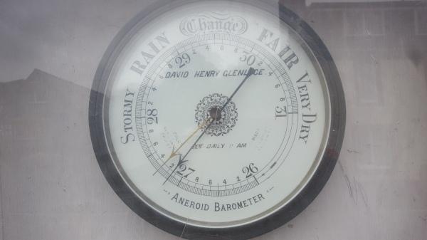 Glenluce barometer